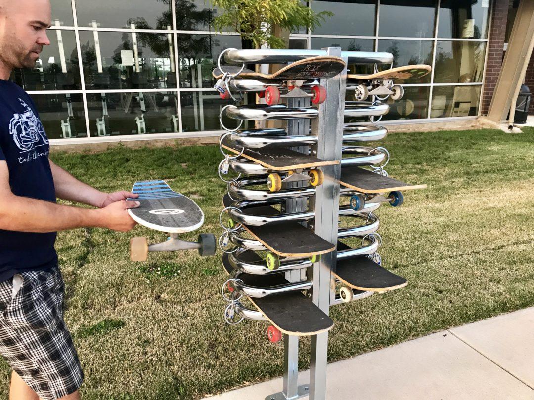 skateboard security rack - Spartan